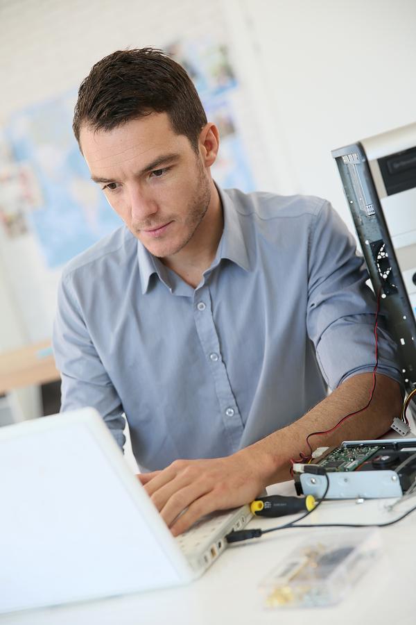 technicien informatique de soumissions informatique
